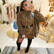 LES ROBES PULL ❤️ Intemporelles, simples et en même temps féminines ! J'ai revisité celle ci avec mon obsession du moment, la ceinture dessus dessous ! Pour une coupe plus structurée, avec sa touche d'originalité. Vous aimez ? . . . #robe #robepull #winteroutfit #coldweather #feminine #casualstyle #casual #femme #mode #fashionbrand #creation #sale #shop #shoppingonline #artisan #ruedesarts #toulon