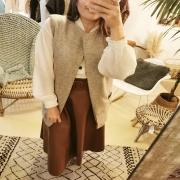 1 TENUES - 4 LOOKS On revisite la maille sous toutes ses formes pour réchauffer vos tenues d'automne 🍁. Donnez nous votre avis ! Votre préféré entre le manteau sans manche, le kimono en laine, la cape ceinturée ou le gilet en maille ? 😍 . . . #automne #autumnvibes🍁 #autumnoutfit #outfit #mood #winter #wool #knitwear #creation #couture #creatrice #mode #south #france #unique #toulon #ruedesarts
