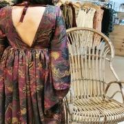 BOHÈME ❤️ Encore et toujours, dans cette maxi robe longue en satin. Impossible de m'en lasser Vous aimez ? . . . #boheme #bohemestyle #bohemechic #bohostyle #unique #creation #spring #edition #unique #pieceunique #mode #modeéthique #femme #womanstyle #couture #toulon #ruedesarts