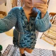 TRICOT 🦚 Le gilet grosse maille que vous avez aperçu dans mes posts de la semaine dernière est terminé ! Tout doux et ultra cocooning, comme on les aime !  En revanche cette petite robe, qui s'accordait à merveille avec les tons de ma laine, à été victime de son succès 🙈 . . . #tricot #knittingismyyoga #knittingaddict #knitwear #woolcoat #wool #tricot #handmade #faitmain #unique #creation #creative #winter #mood #hygge #cosytime #cocooning
