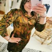 VELOURS ❤️ Détails subtiles sur une robe de velours. Je l'adore 😍 et vous ? . . . #robe #dress #newdress #newcollection #velours #chic #style #womenstyle #fashionbrand #ethicalbrand #slowfashion #unique #creation #toulon #madeinfrance